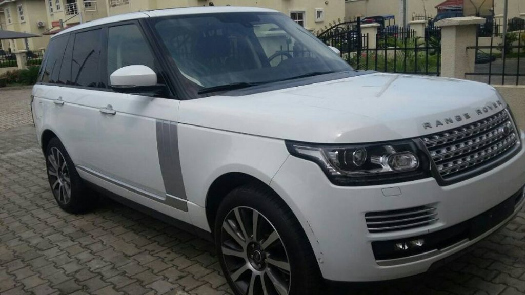 RANGE ROVER VOGUE AVAILABLE FOR RENT AT JAUTOS!